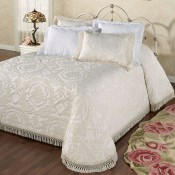 Quilts, Bedspreads & Coverlets (0)